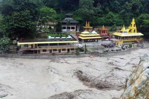 Overflowing Rangit river cause havoc in Legship