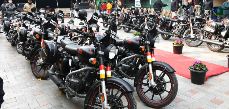 Chief Minister flags off new fleet of traffic police motorcycles