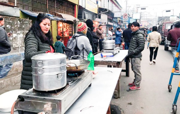 Evicted Darjeeling hawkers given new business spot