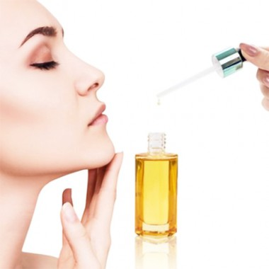 Beauty Oils: The Solution for Dry Winter Skin