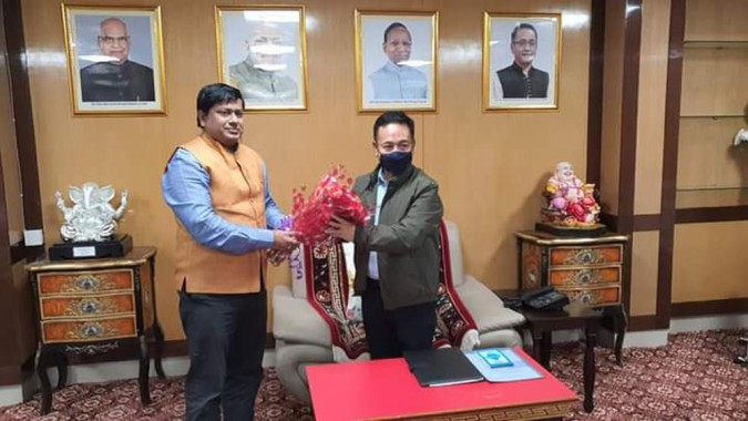 State BJP in-charge arrives for Sikkim tour, calls on CM