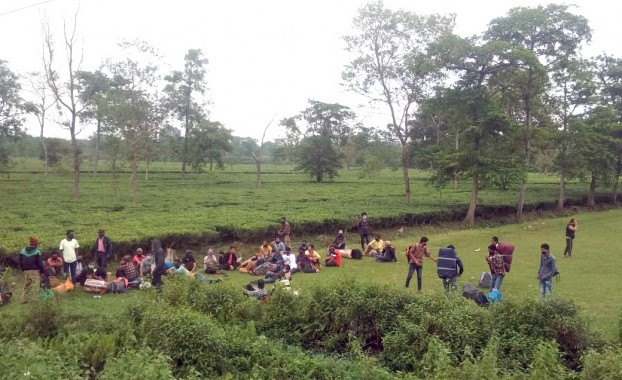 Nepalese migrants sent back from Panitanki border